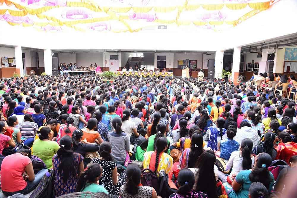 Umiya Arts and Commerce College For Girls Ahmedabad