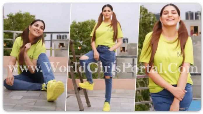 Sapna Chaudhary Green T-Shirt and blue ripped jeans Dance Video viral, Haryanvi Dancer #SapnaChaudhary New Hair Style Fan's are liked